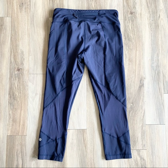 """Lululemon Pace Rival Crop 22"""" Midnight Navy Size 8"""